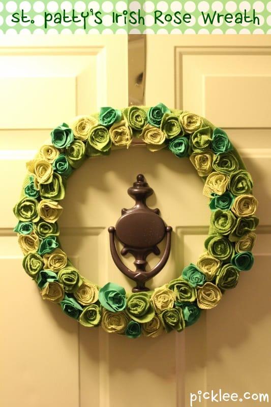 banner_display complete_st patricks irish rose wreath