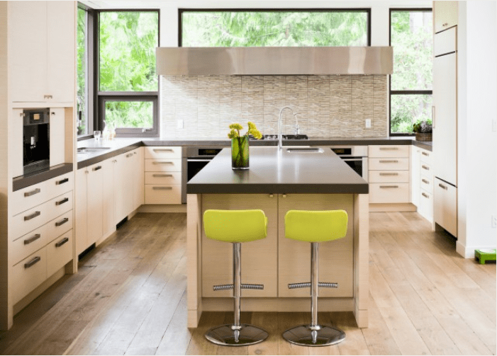 22 white kitchens that rock picklee for Amazing contemporary kitchens