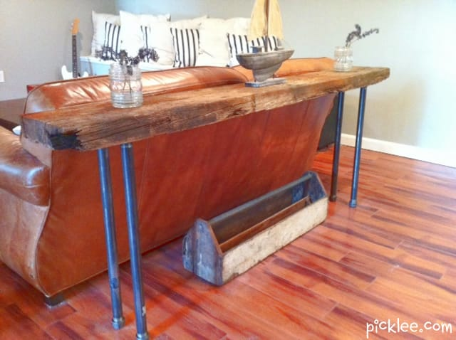 Rustic wood iron table diy picklee for Rustic pipe table