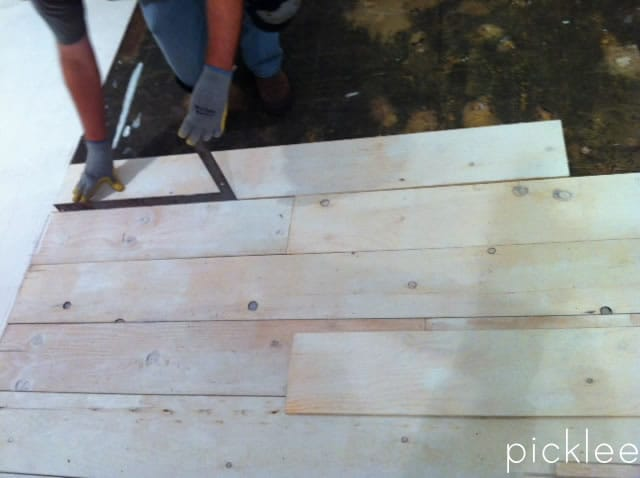 Farmhouse Wide Plank Floor Made From Plywood Diy Picklee
