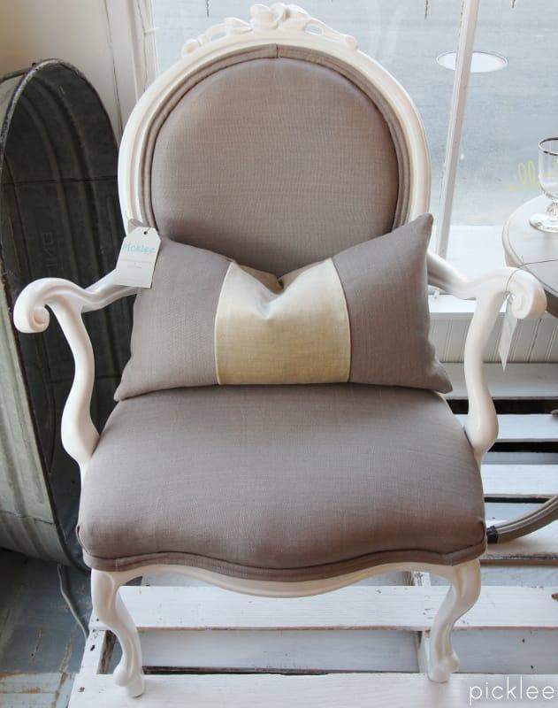 lacquer louis chair4
