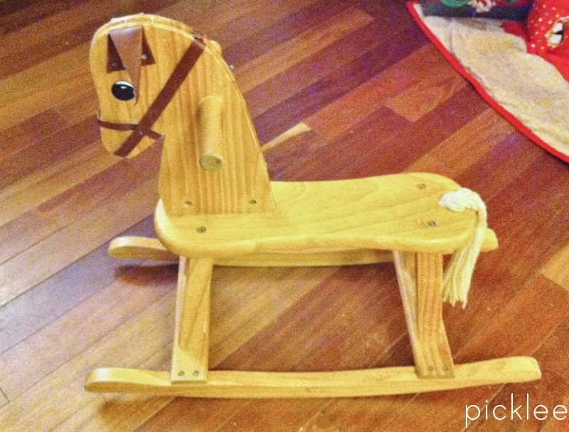rocking horse (800x607)