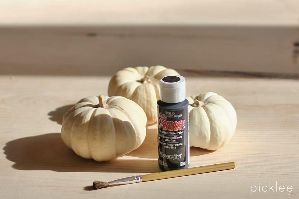 black-white-baby-pumpkin-diy