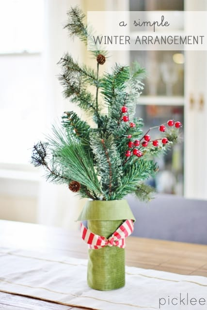 A Simple Christmas Floral Arrangement Diy Picklee