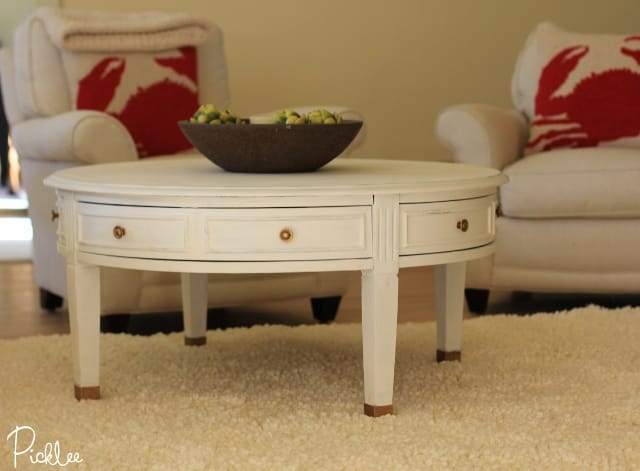 chalk painted coffee table 3