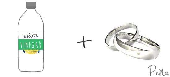 white-vinegar-clean jewelry