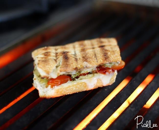 cheddar-pesto-tomato-grilled-cheese1