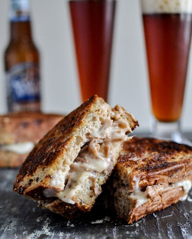 crockpot pulled pork beer sandwich