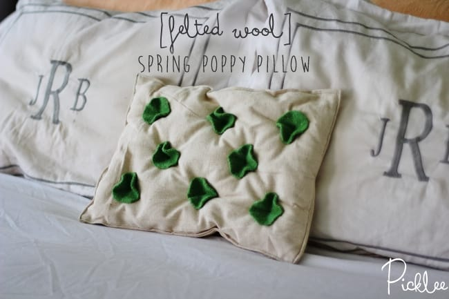 felted wool-pillow-diy