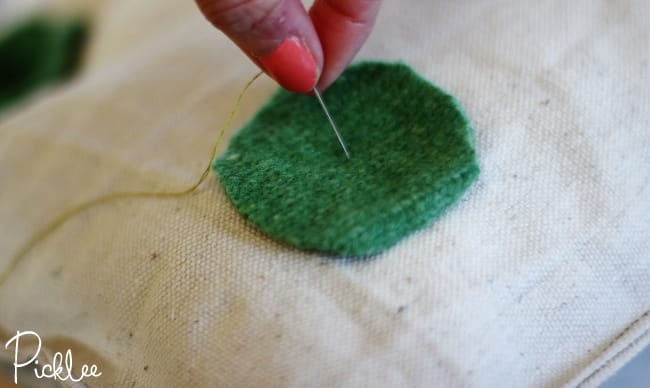 felted wool-pillow-diy4