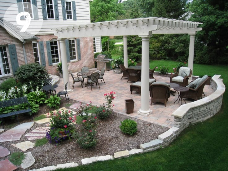 12 dreamy back yard ideas inspiration picklee for Back garden patio ideas