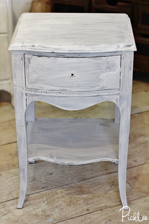 before-after-chalk-paint-nightstands-dove-grey7