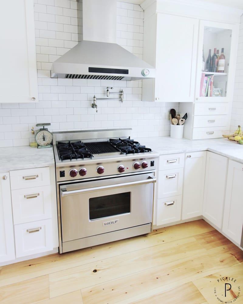 The Easiest Way To Renovate Your Kitchen: Our Coastal Farmhouse Kitchen Renovation [Home Tour]