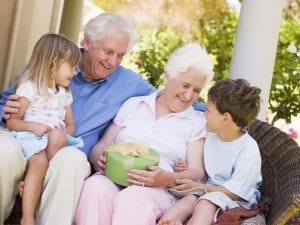 how to choose the best gifts for grandparents